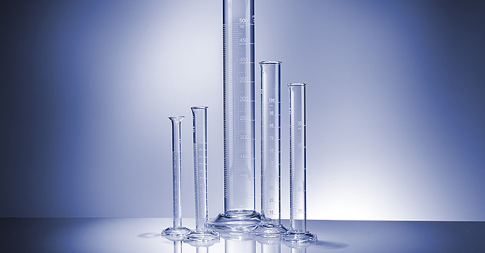Accommodates a wide range of graduated cylinder sizes for full flexibility
