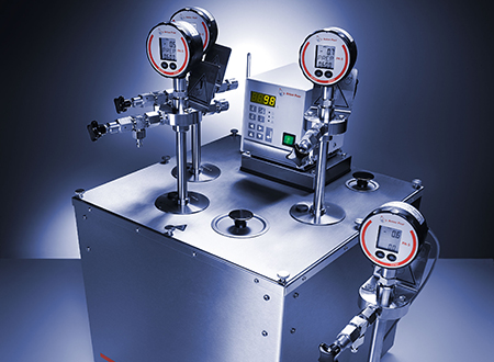 Oxidation Stability Tester OBA 1 consisting  of a bath, 4 pressure vessels and digital manometers