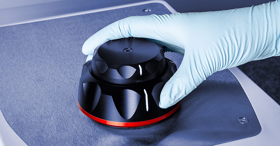 TruLock lid closure for absolute repeatability