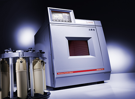 The Multiwave PRO microwave reaction system serves two groups: professionals in trace analysis and synthetic chemistry.