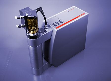 O módulo de medição CarboQC ME determina a quantidade real de dióxido de carbono dissolvido em bebidas. Além disto, a quantidade de outros gases dissolvidos é identificada e sua influência eliminada.