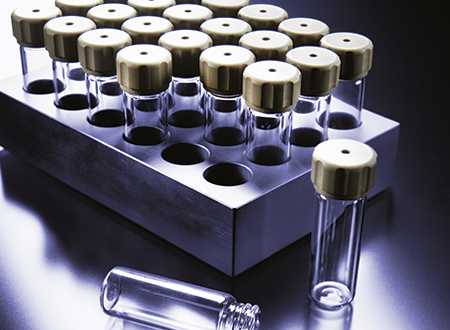 Screwable Wheaton® glass vials (15x46 mm) for use in Rotor 64MG5 and Rotor 4X24 MG5.